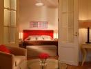 Deluxe Suite Bedroom lowres